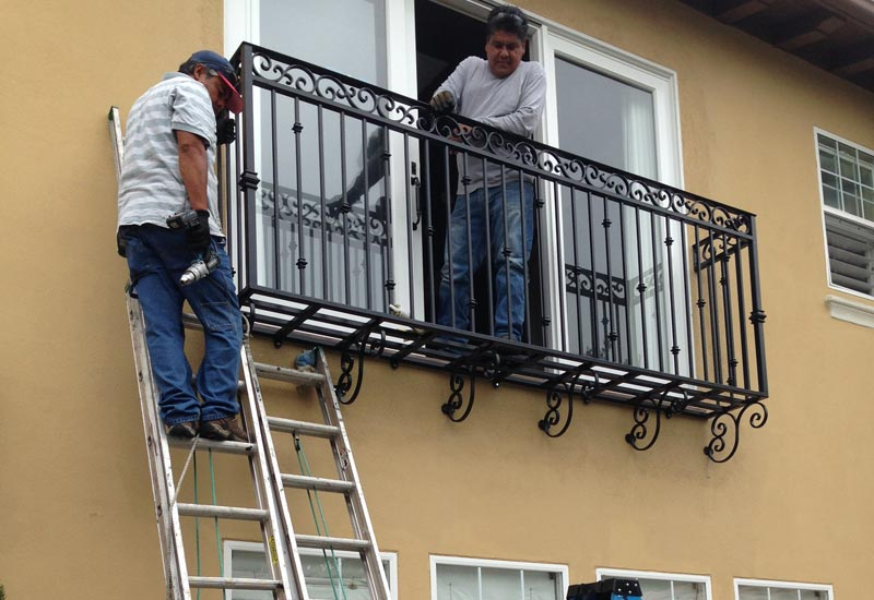 Angels ornamental iron gallery orange county ca for Balcony in spanish