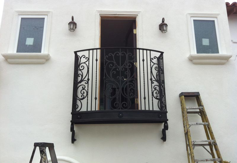 Orange county ca ornamental iron balcony stair railings wrought iron guard handrails - Things consider installing balcony home ...