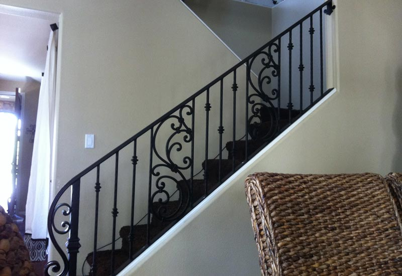 Clean The Decorative Wrought Iron Railing : Clean The Decorative Wrought Iron Railing : Wrought Iron Stair Railing